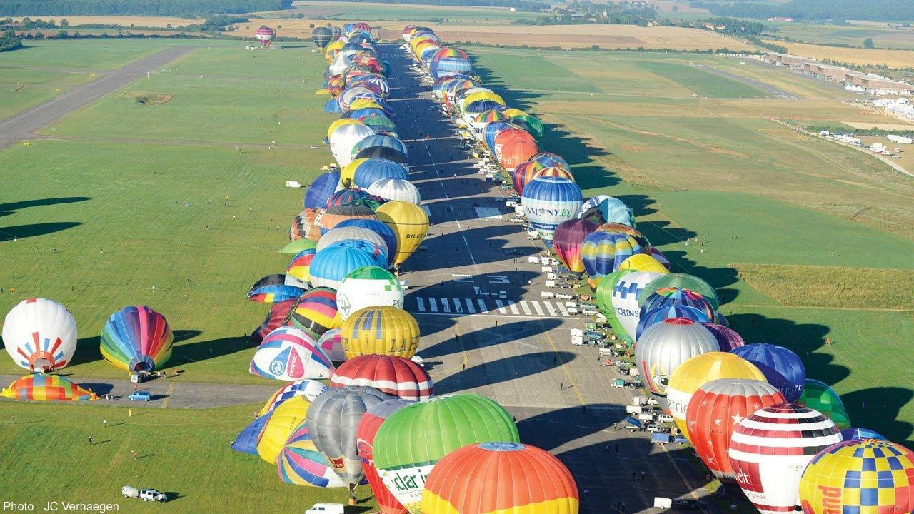 hot air balloon festival line